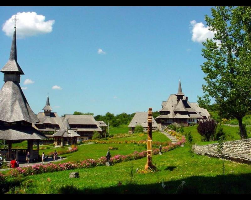 Mănăstirea Bârsana din judetul Maramureş. Clip_712