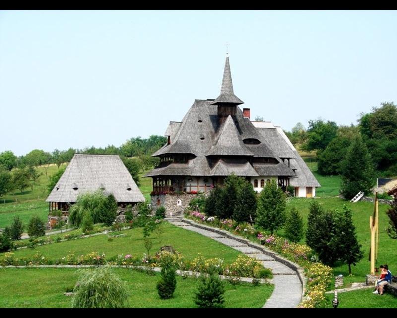 Mănăstirea Bârsana din judetul Maramureş. Clip_814