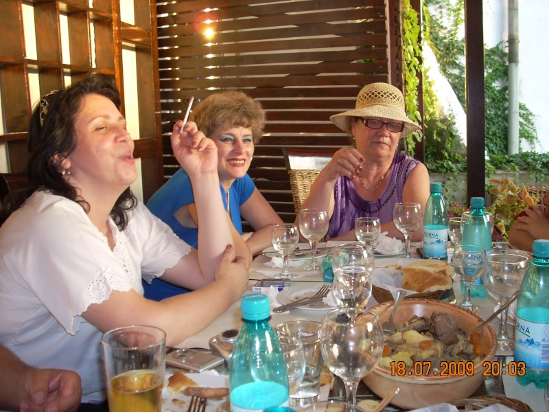 "18 iulie 2009-Volumul de versuri ""Saruta-mi lacrima""a doamnei Atena Mariana Zara prezentat iesenilor Cristi10"