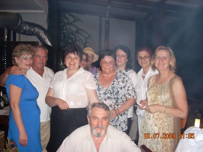 "18 iulie 2009-Volumul de versuri ""Saruta-mi lacrima""a doamnei Atena Mariana Zara prezentat iesenilor Cu_pri10"