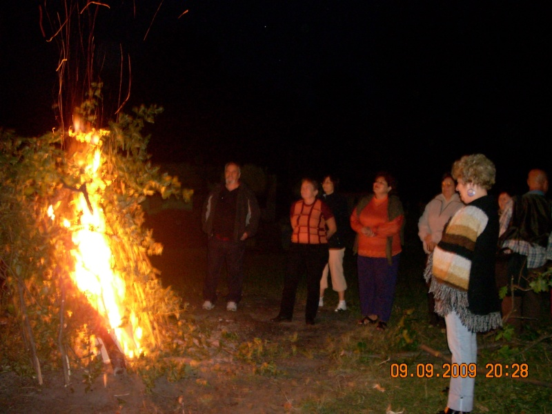"""Dumbrava Minunata""-tabara de la Muncel-Pascani 9-14 septembrie 2009 Foc_de10"