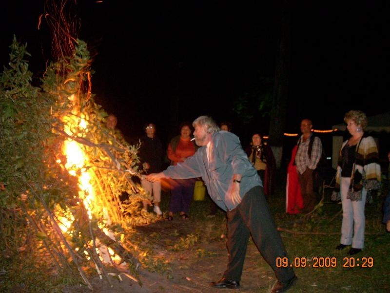 """Dumbrava Minunata""-tabara de la Muncel-Pascani 9-14 septembrie 2009 Foc_de11"