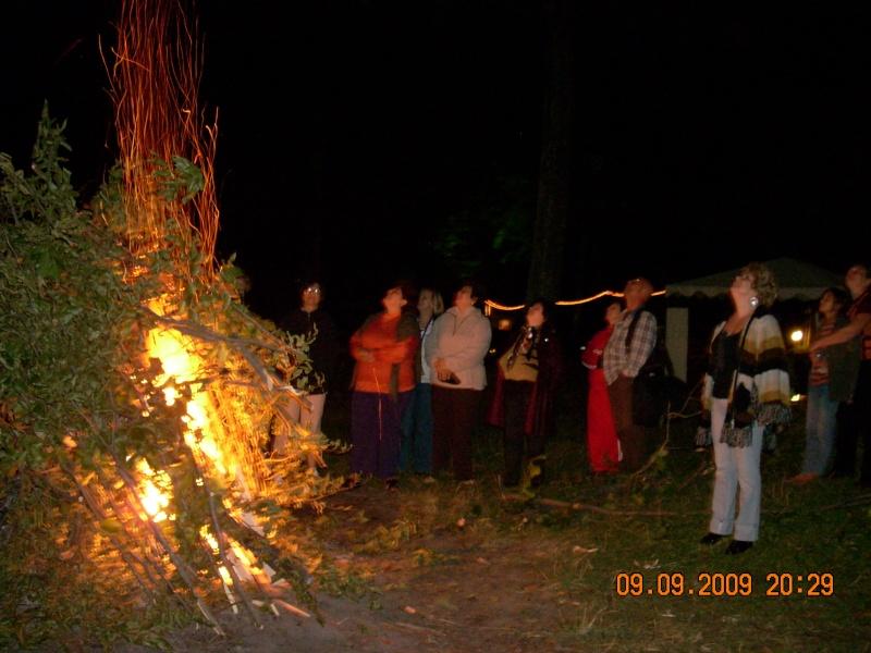 """Dumbrava Minunata""-tabara de la Muncel-Pascani 9-14 septembrie 2009 Foc_de12"