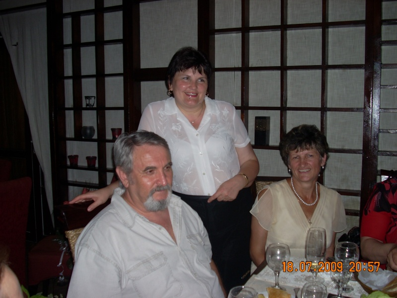 "18 iulie 2009-Volumul de versuri ""Saruta-mi lacrima""a doamnei Atena Mariana Zara prezentat iesenilor Nick_d10"