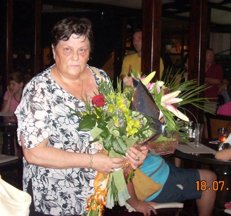"""18 iulie 2009-Volumul de versuri """"Saruta-mi lacrima""""a doamnei Atena Mariana Zara prezentat iesenilor Profes10"""