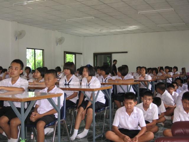 อบรมจริยธรรม นักเรียนโรงเรียนไหล่หินวิทยา Img_0513