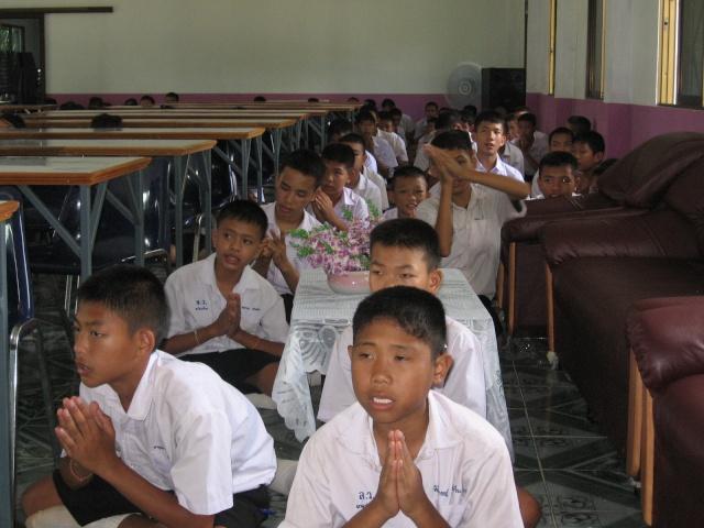 อบรมจริยธรรม นักเรียนโรงเรียนไหล่หินวิทยา Img_0514