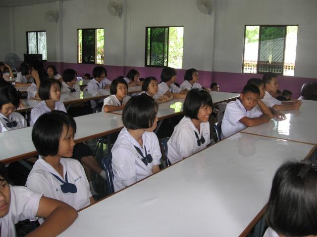อบรมจริยธรรม นักเรียนโรงเรียนไหล่หินวิทยา Img_0517