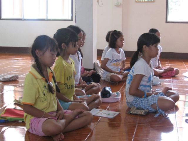 สอนพุทธศาสนาวันอาทิตย์+สอนพิเศษ(31052009) Img_0614