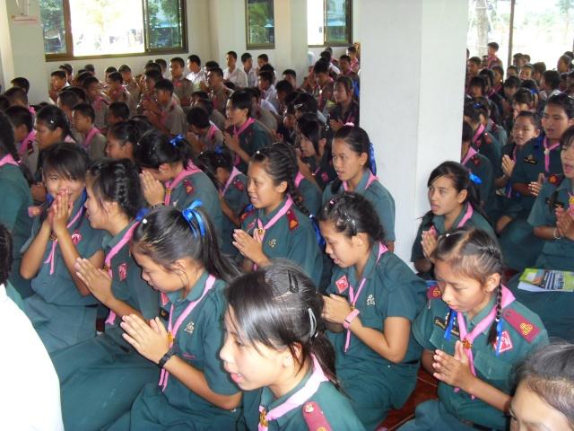 อบรมจริยธรรม นักเรียนโรงเรียนอ้อมอารี Sdc14111