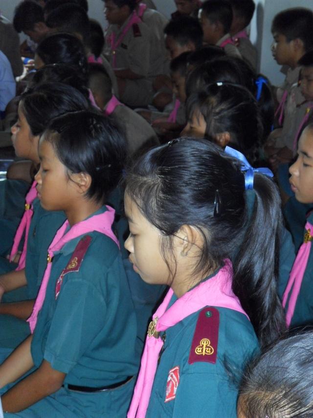 อบรมจริยธรรม นักเรียนโรงเรียนอ้อมอารี Sdc14115