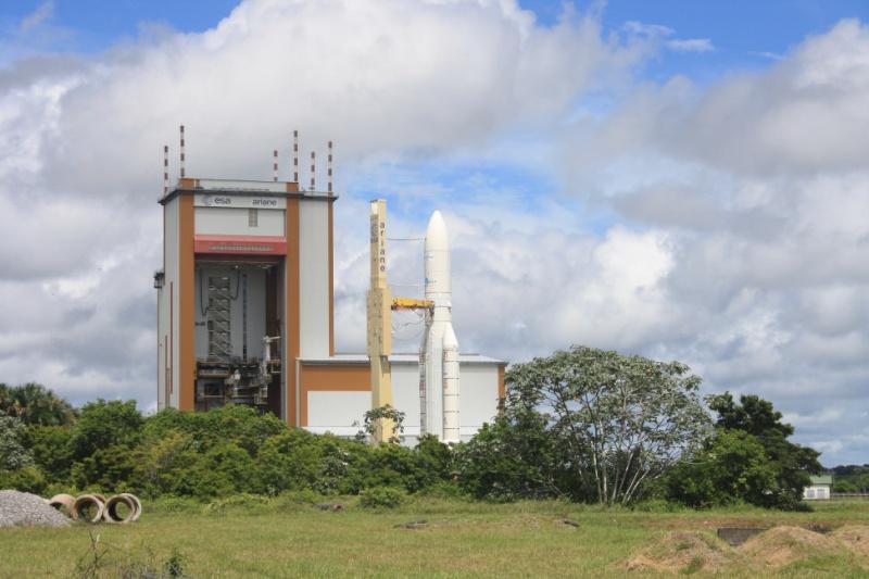 Ariane 5 ECA V189 / TerreStar - 1er juillet 2009 - Page 2 Img_0912