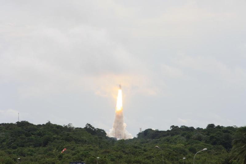 Ariane 5 ECA V189 / TerreStar - 1er juillet 2009 - Page 5 Img_1014