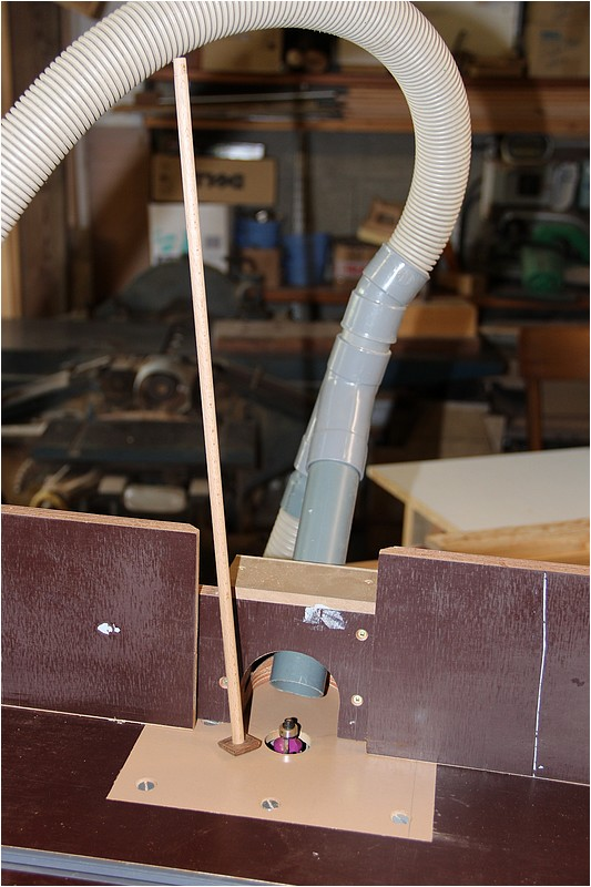 Petit meuble pour échevettes, fait en bois de récup ou venant de chutes. Img_2626