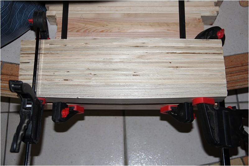Petit meuble pour échevettes, fait en bois de récup ou venant de chutes. Img_2639