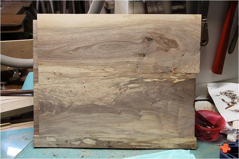 Petit meuble pour échevettes, fait en bois de récup ou venant de chutes. Img_2719