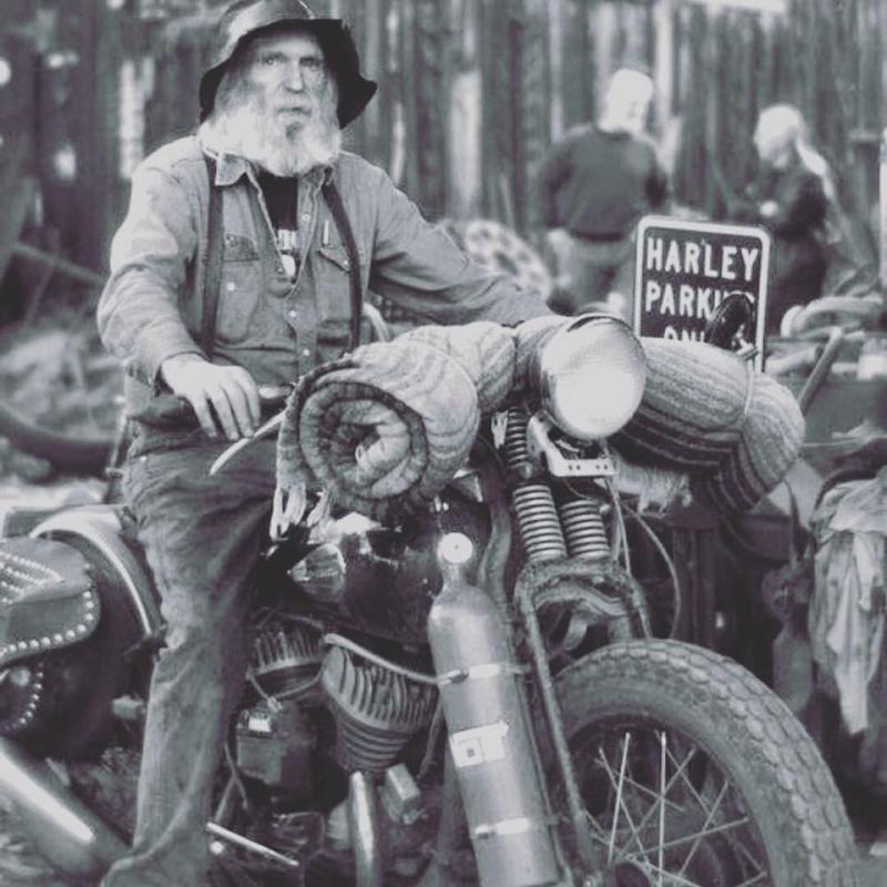 Biker et fier de l'être - Page 6 12342510