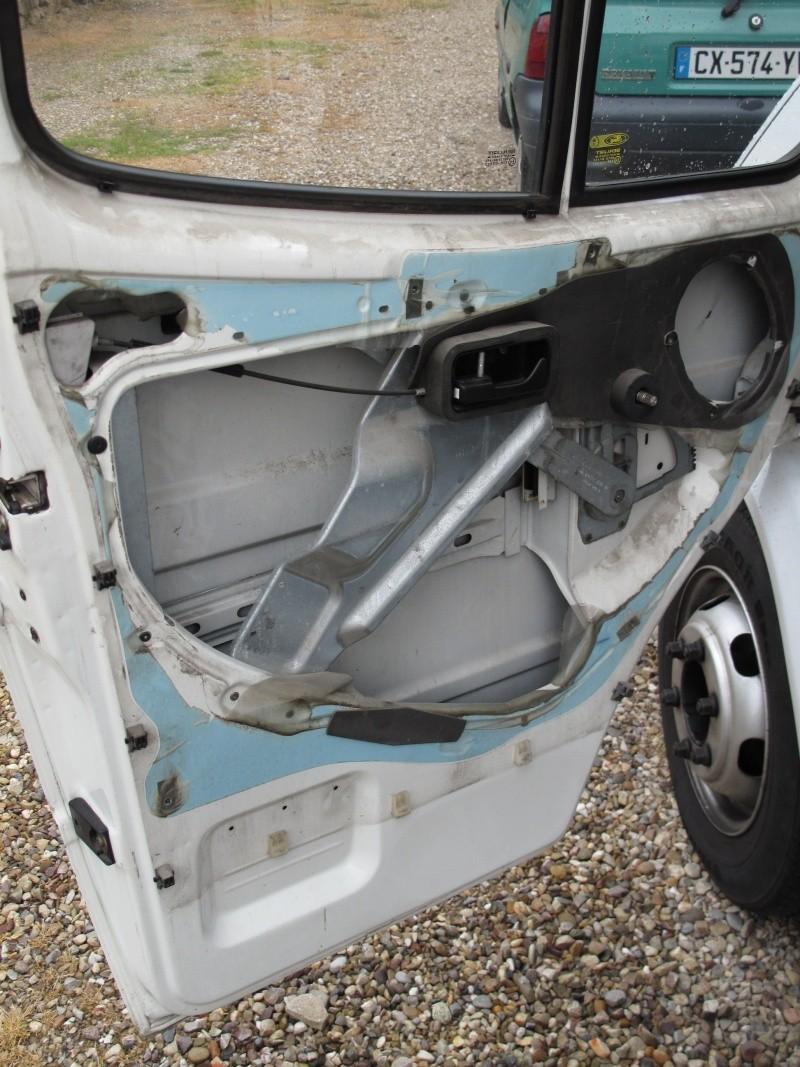 [Mk5] - Chassis cab' caisse déménagement - Page 2 Img_0929