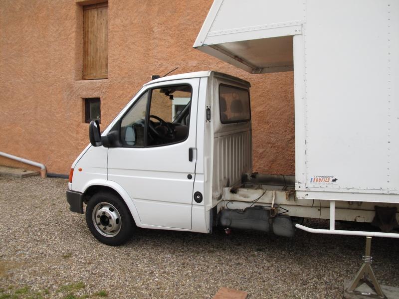 [Mk5] - Chassis cab' caisse déménagement - Page 3 Img_1033