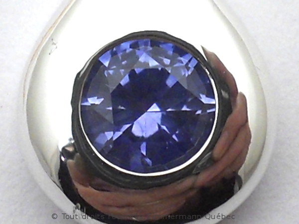 Un pendentif saphir du Montana 0,75 carat Dscn8911