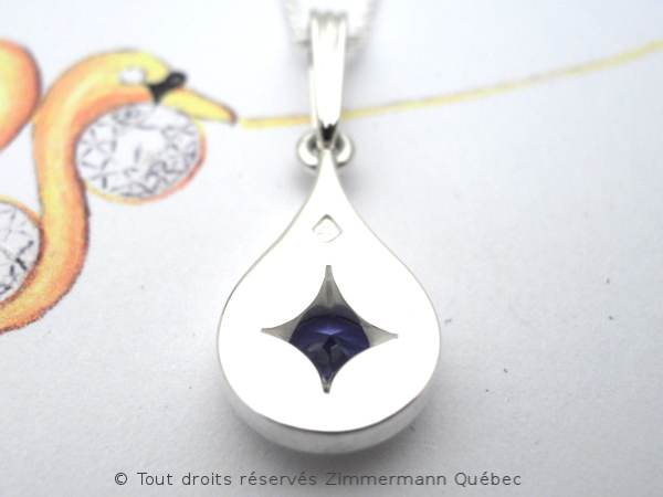 Un pendentif saphir du Montana 0,75 carat Dscn8913