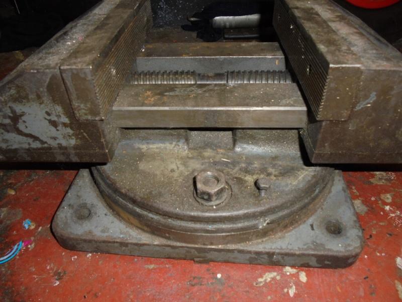 Gros étau machine Dsc00511