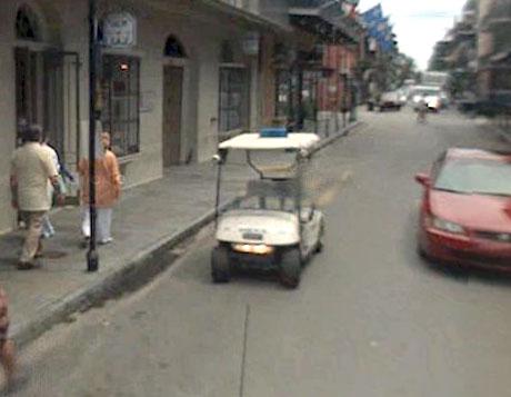 STREET VIEW : véhicules de police du monde Sans_t25