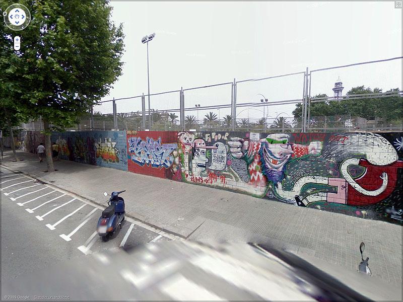 STREET VIEW : graffitis et tags vus de la Google Car Sans_t51