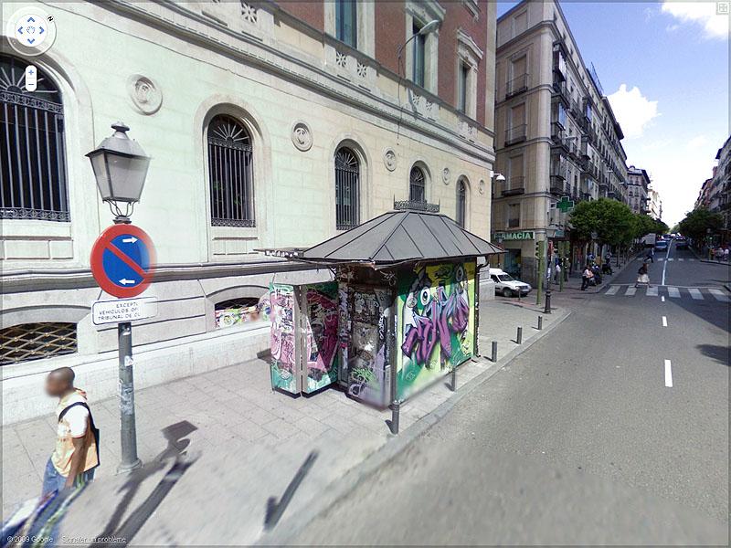 STREET VIEW : graffitis et tags vus de la Google Car Sans_t52