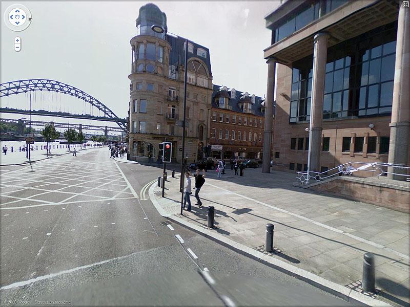 STREET VIEW : un coucou à la Google car  Sans_t56