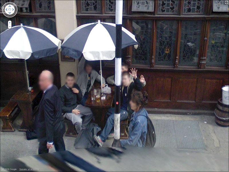 STREET VIEW : un coucou à la Google car  Sans_t59