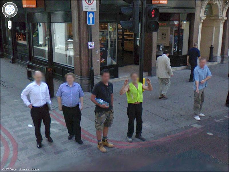 STREET VIEW : un coucou à la Google car  Sans_t75