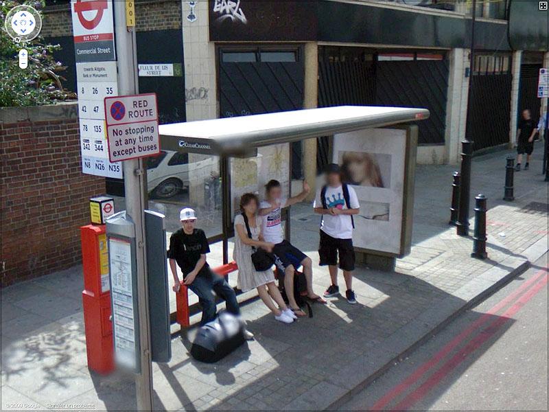 STREET VIEW : un coucou à la Google car  Sans_t76