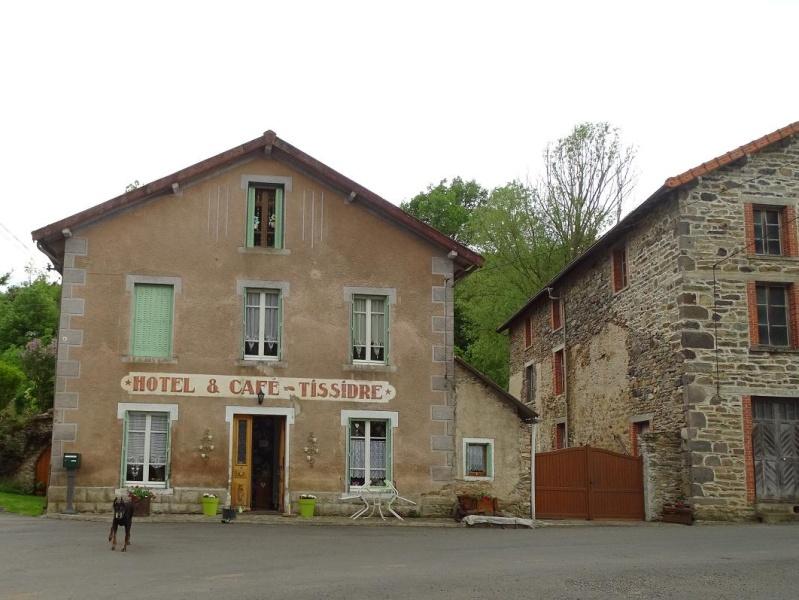 6R6 dans le Cantal Dsc00911