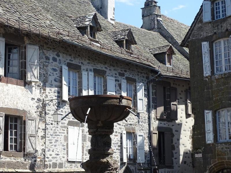 6R6 dans le Cantal Dsc01014