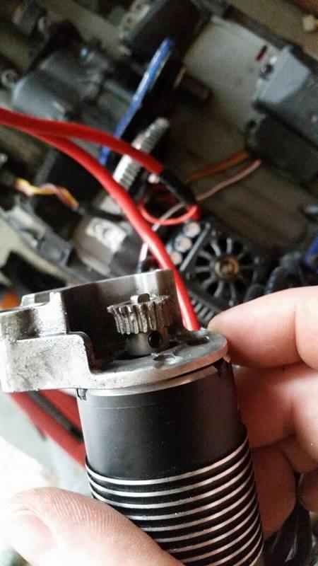 Problème pignon moteur , slipper. A10