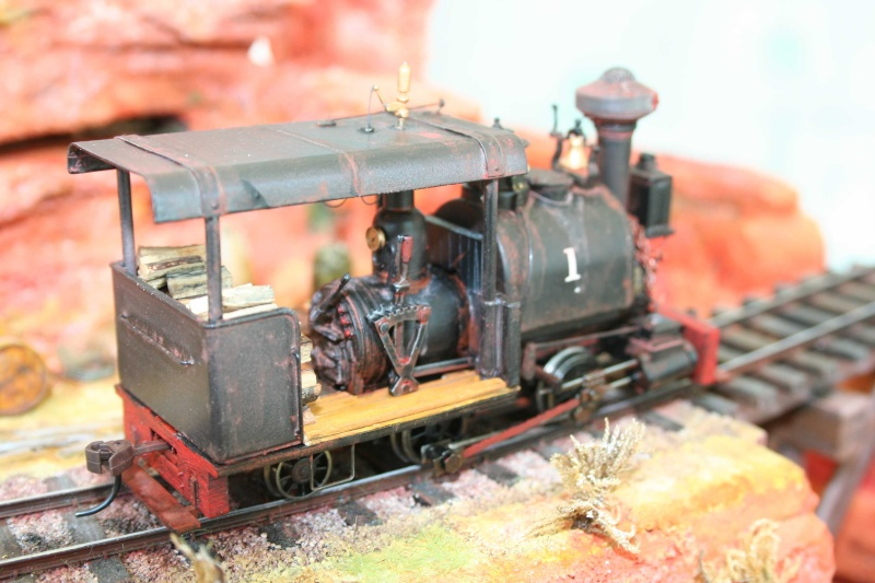 Narrow gauge On30  Loco910