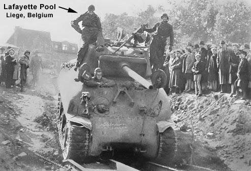 Brat Pitt sur un Sherman M4A2 76W - Page 2 In_the10