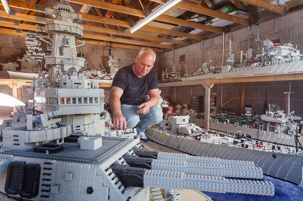 Photos navires insolites - Page 2 Lego_y10