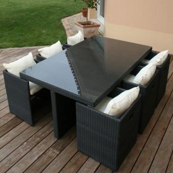 tons orangés marrons avec meubles clairs Table11