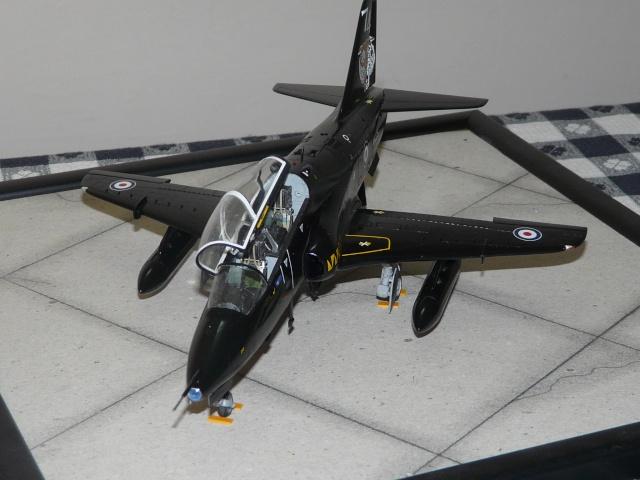 Bae Hawk T Mk 1  Italeri  1-48 P1030415