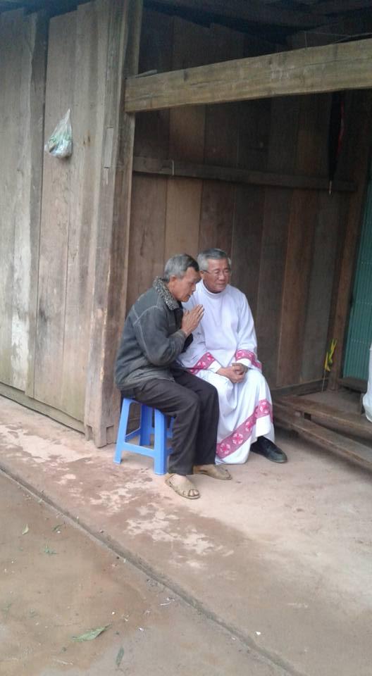Người Công Giáo H, Mông ở Điên Biên Hmoob Kav Tos liv (Catholic) nyob xeev Dien Bien cob tsib teb - Page 2 111
