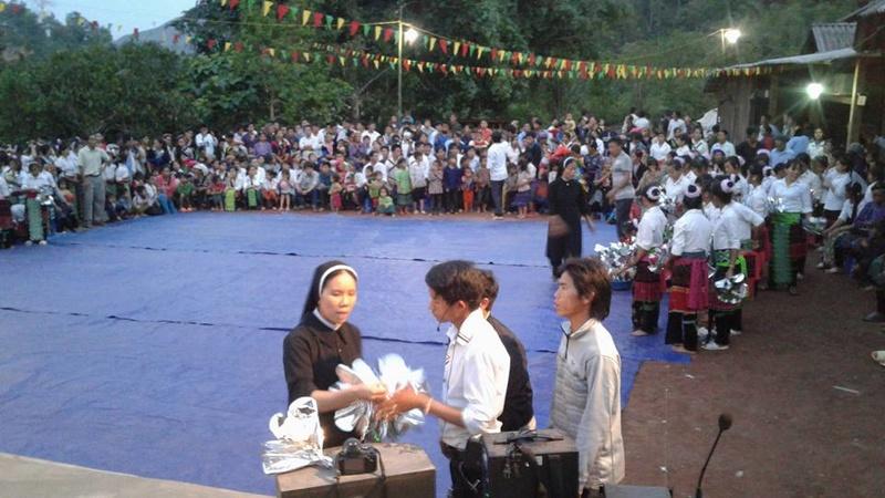 Người Công Giáo H, Mông ở Điên Biên Hmoob Kav Tos liv (Catholic) nyob xeev Dien Bien cob tsib teb - Page 2 114