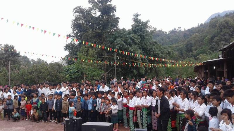 Người Công Giáo H, Mông ở Điên Biên Hmoob Kav Tos liv (Catholic) nyob xeev Dien Bien cob tsib teb - Page 2 Cob_ts10