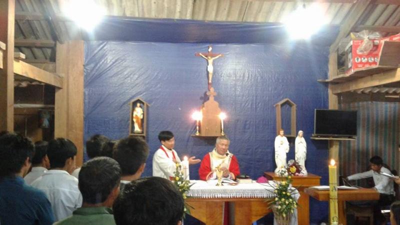 Người Công Giáo H, Mông ở Điên Biên Hmoob Kav Tos liv (Catholic) nyob xeev Dien Bien cob tsib teb - Page 2 Cob_ts13