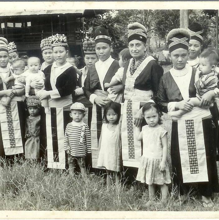 HMOOB NPAM NAJ XEES - Page 7 Luang_10