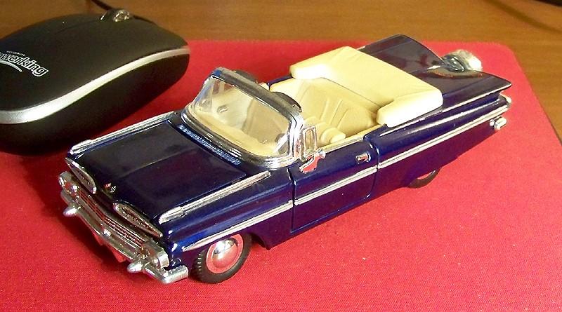 "Chevrolet Impala Biscayne Coupe 1959 - auf dem Parkplatz ""schnappgeschossen""  59_imp10"