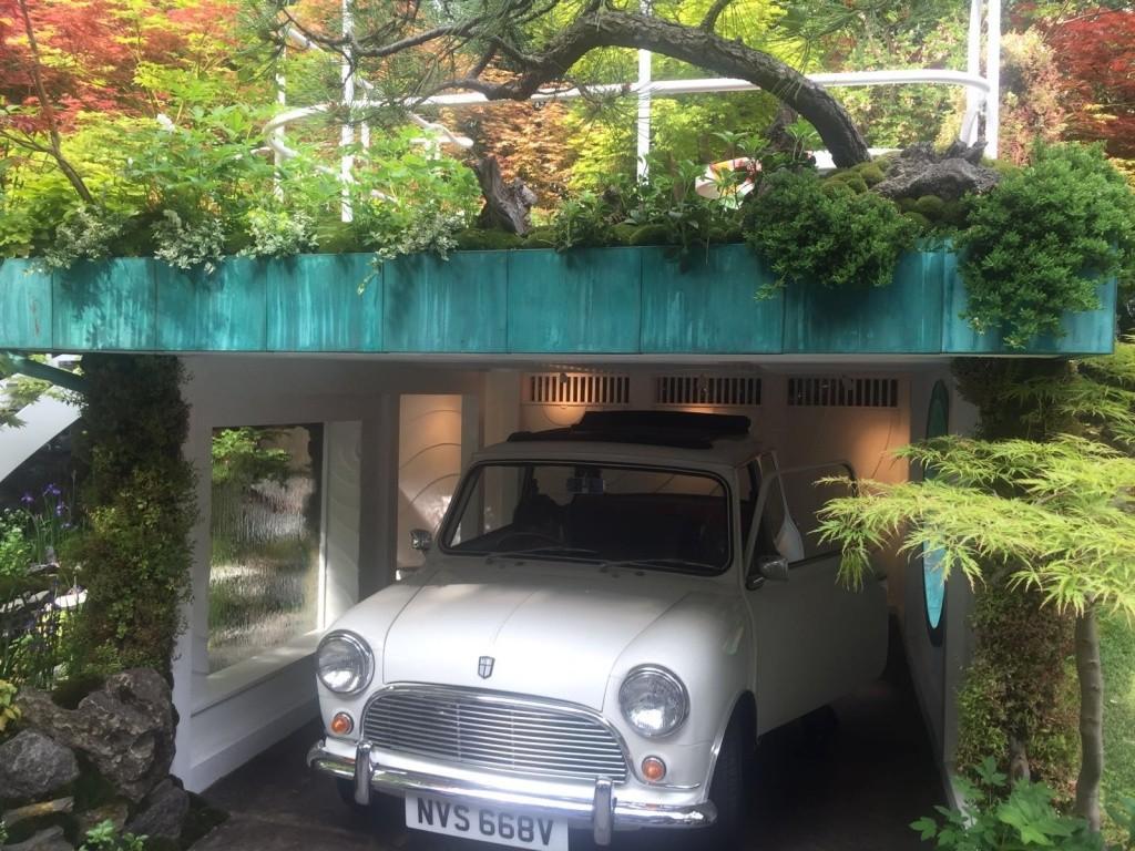 Mini Garage Garden at 'Chelsea Flower Show' Whatsa10
