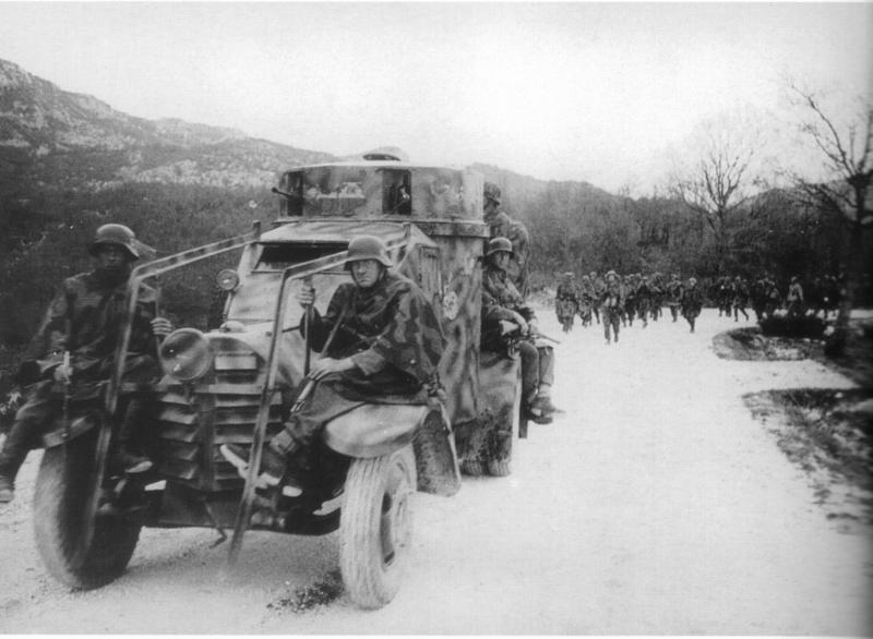 Guérilla et contre-guérilla dans les Balkans [Dossier photo] 1zm-0410