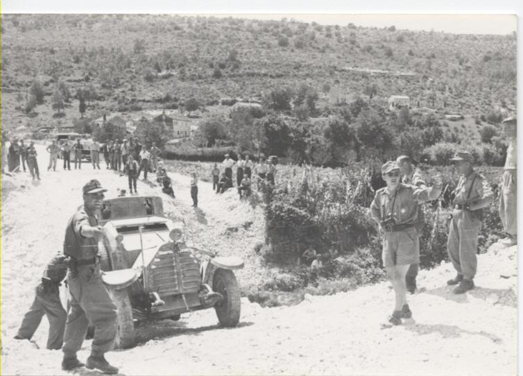 Guérilla et contre-guérilla dans les Balkans [Dossier photo] Polize10